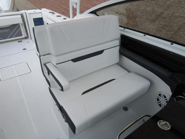 2021 Blackfin boat for sale, model of the boat is 272 DC & Image # 20 of 57