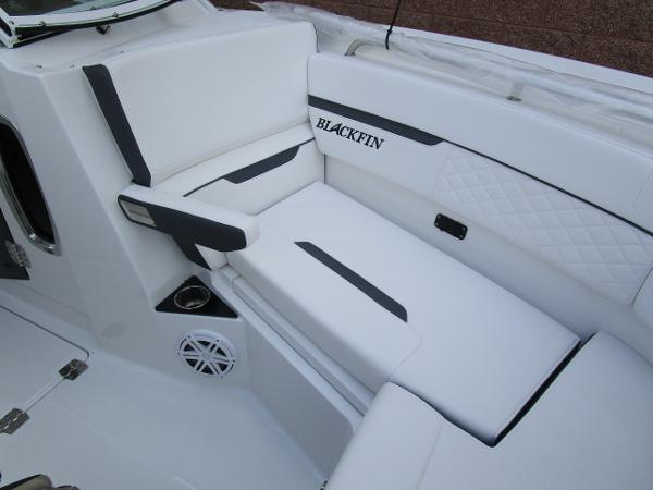2021 Blackfin boat for sale, model of the boat is 272 DC & Image # 39 of 57