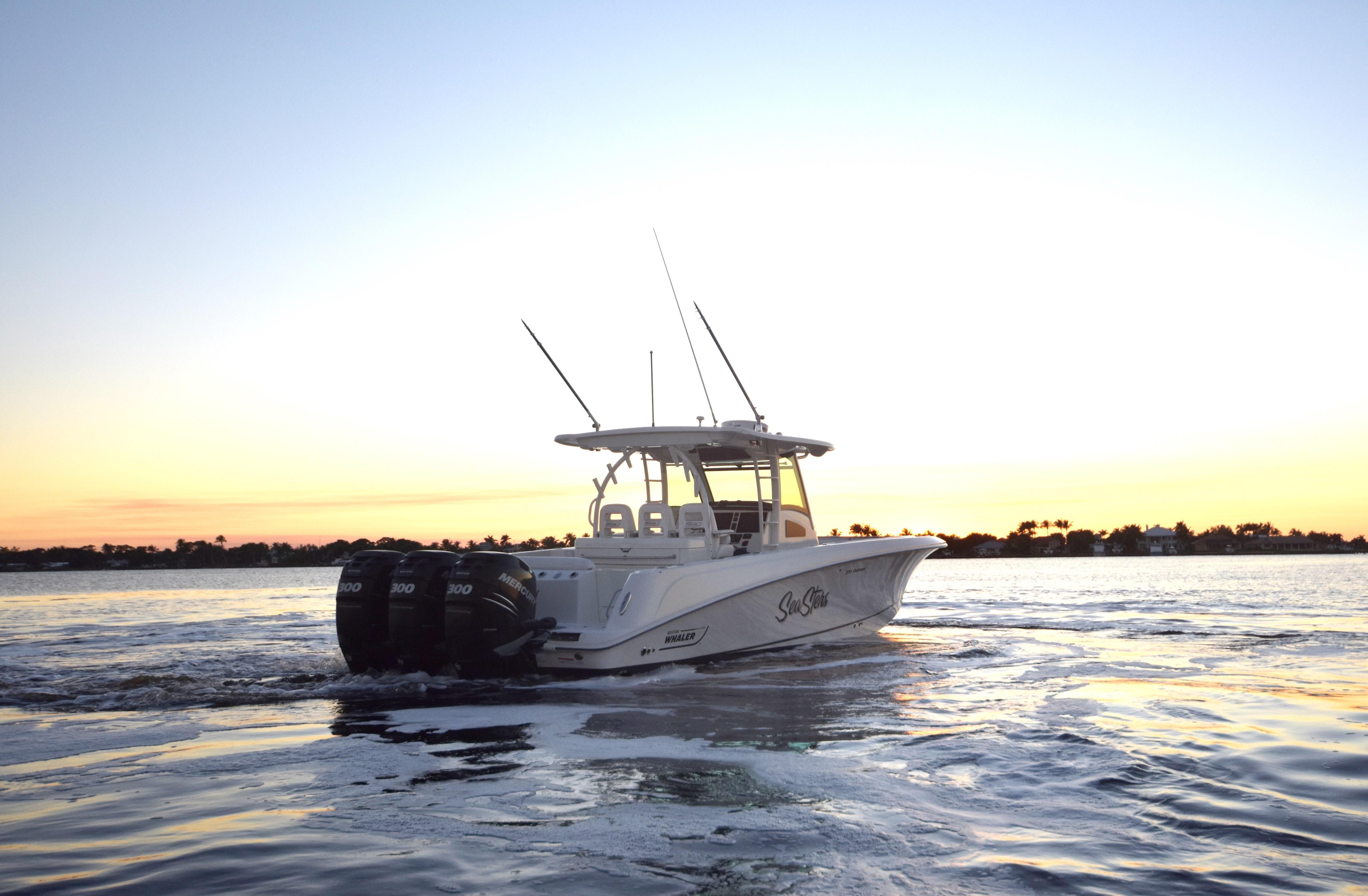 2014 37' Boston Whaler