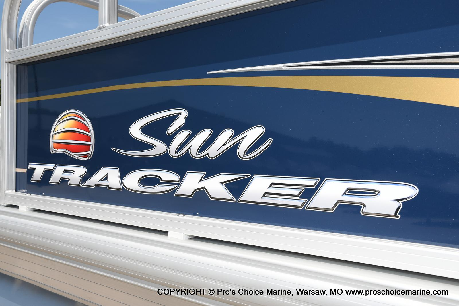 2021 Sun Tracker boat for sale, model of the boat is Bass Buggy 16 XL & Image # 24 of 47