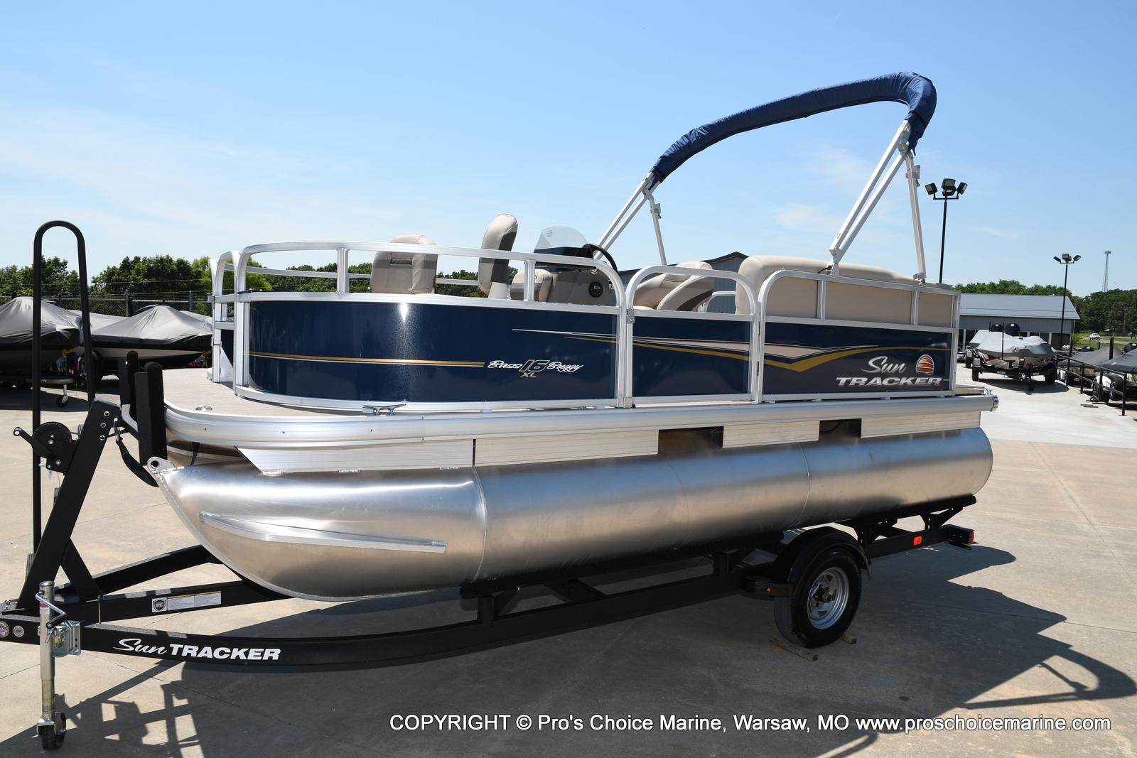 2021 Sun Tracker boat for sale, model of the boat is Bass Buggy 16 XL & Image # 25 of 47