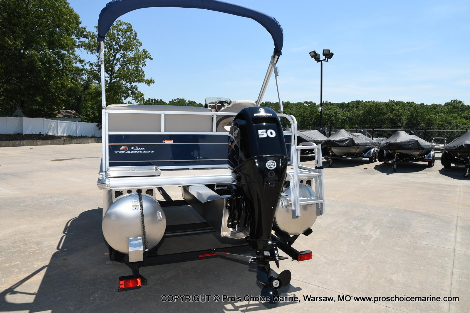 2021 Sun Tracker boat for sale, model of the boat is Bass Buggy 16 XL & Image # 38 of 47