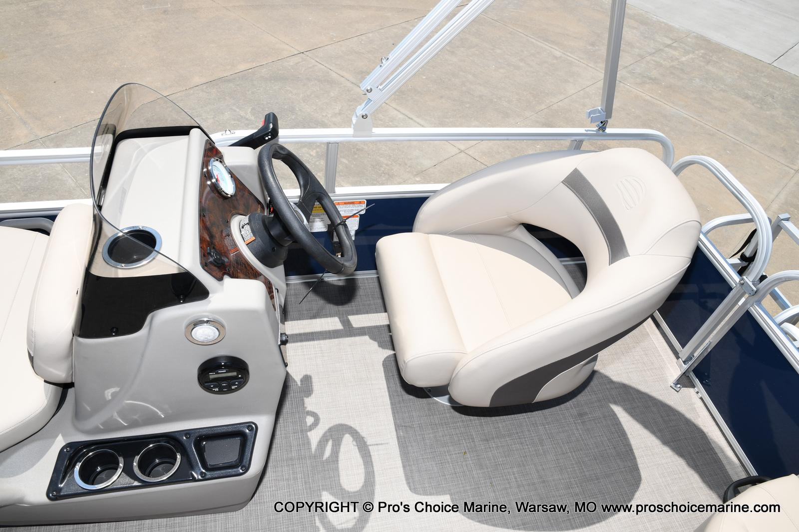 2021 Sun Tracker boat for sale, model of the boat is Bass Buggy 16 XL & Image # 44 of 47