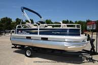 2021 Sun Tracker boat for sale, model of the boat is Bass Buggy 16 XL & Image # 1 of 47