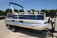 2021 Sun Tracker boat for sale, model of the boat is Bass Buggy 16 XL & Image # 30 of 47