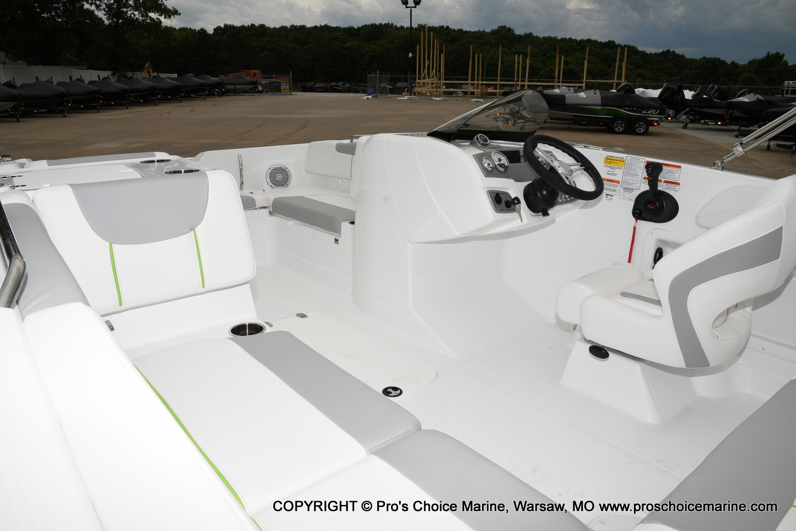 2021 Tahoe boat for sale, model of the boat is 2150 & Image # 5 of 50
