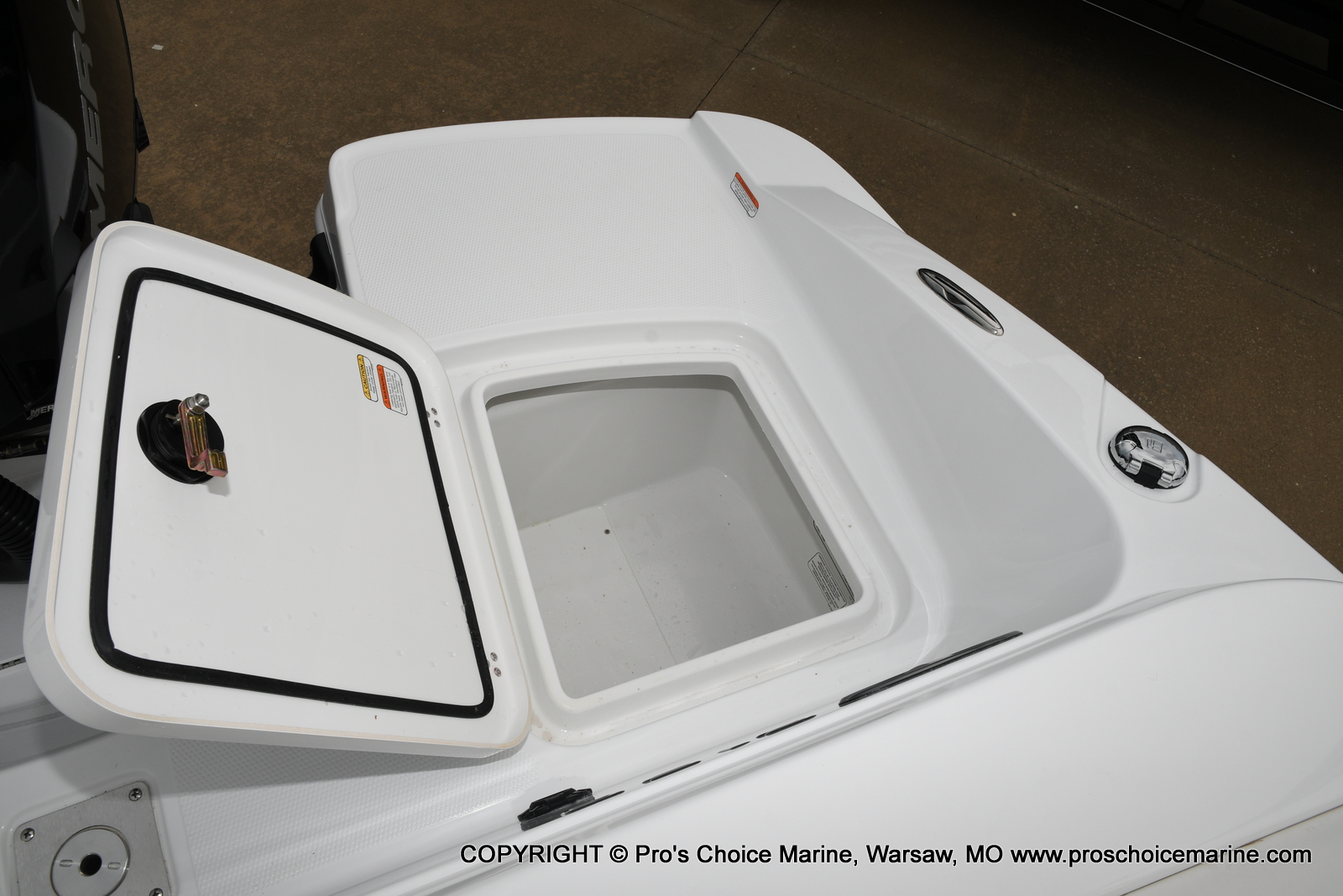 2021 Tahoe boat for sale, model of the boat is 2150 & Image # 24 of 50