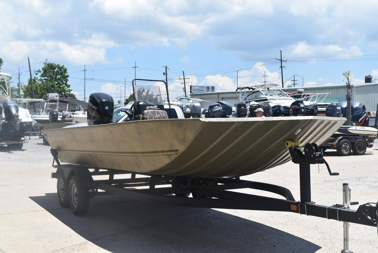 2021 Tracker Boats boat for sale, model of the boat is GRIZZLY 2072 CC, 115 HP & Image # 3 of 5