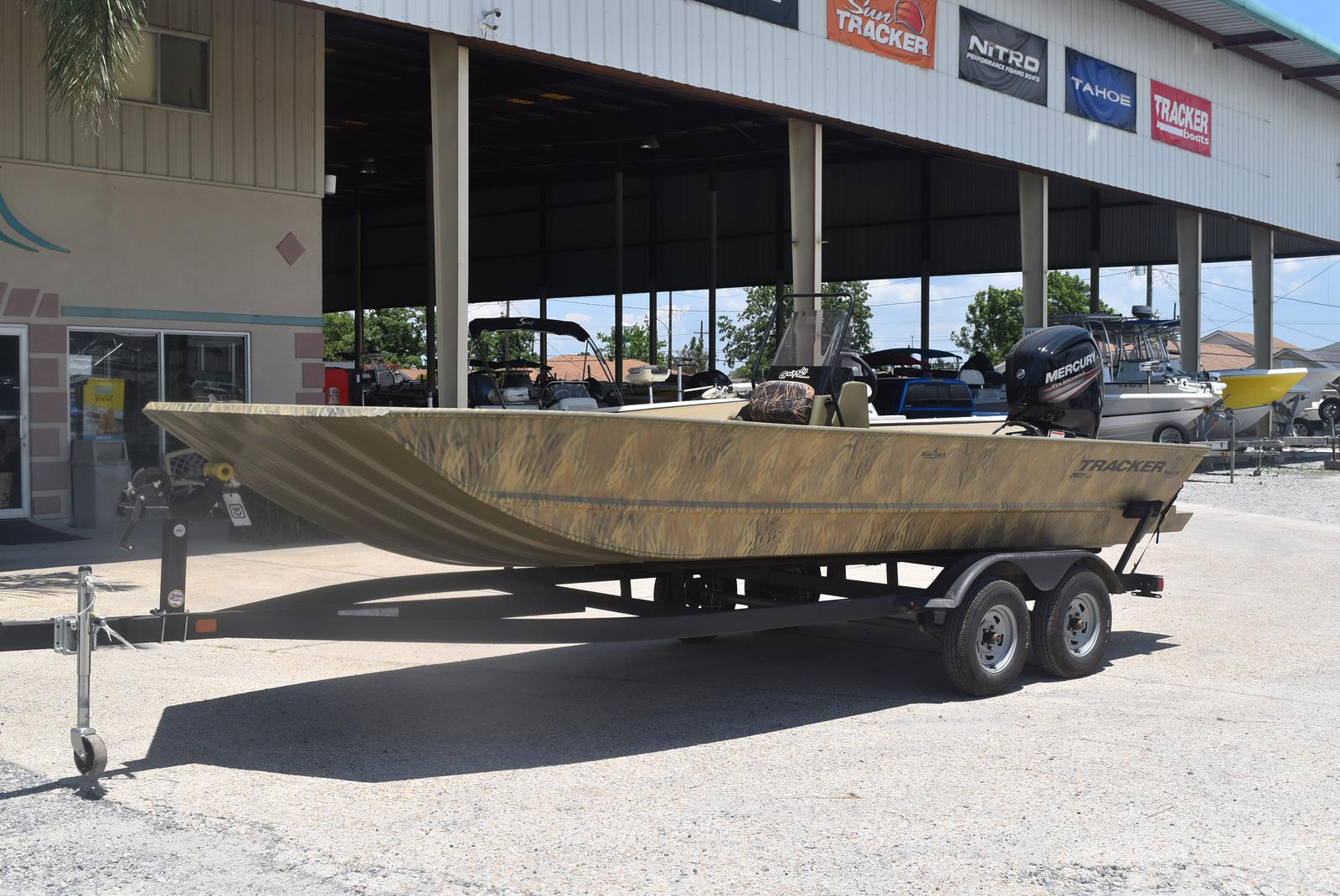 2021 Tracker Boats boat for sale, model of the boat is GRIZZLY 2072 CC, 115 HP & Image # 4 of 5