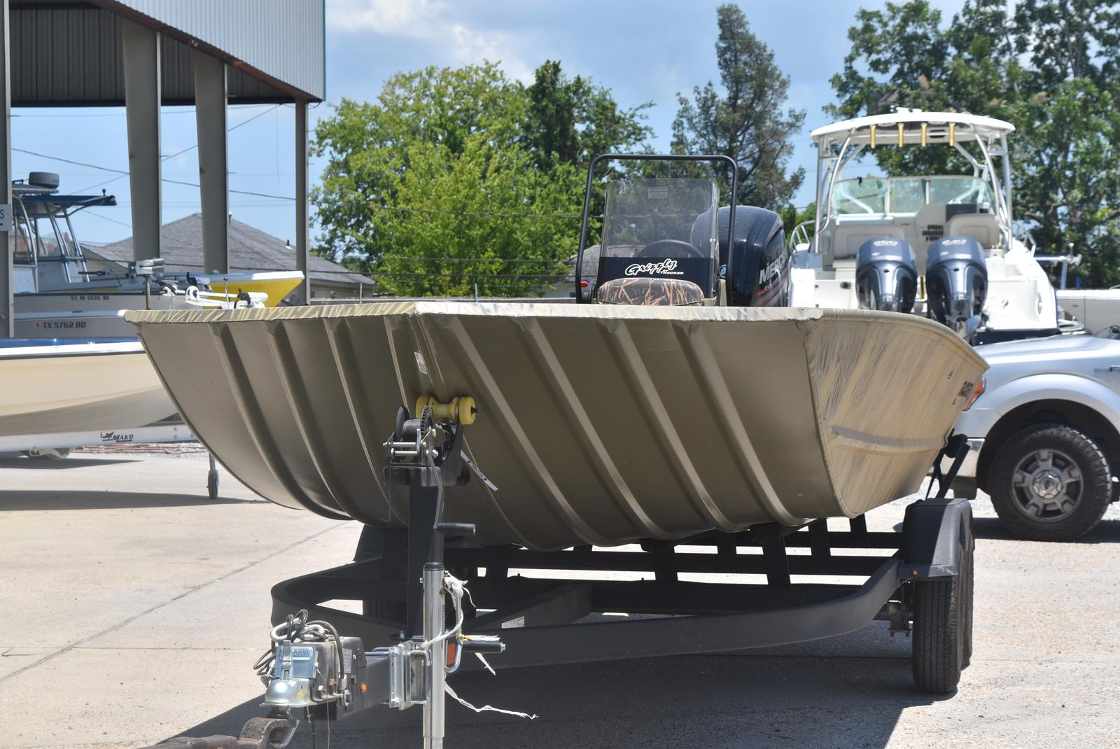2021 Tracker Boats boat for sale, model of the boat is GRIZZLY 2072 CC, 115 HP & Image # 5 of 5