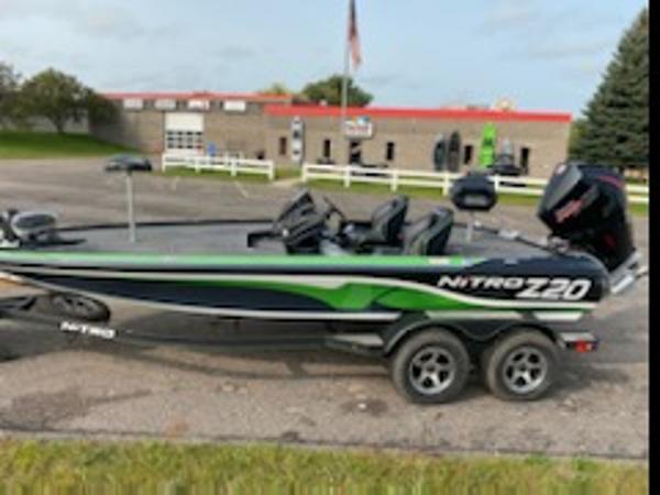 2021 Nitro boat for sale, model of the boat is Z20 & Image # 6 of 6