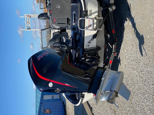2021 Ranger Boats boat for sale, model of the boat is 620FS Ranger Cup Equipped & Image # 3 of 3