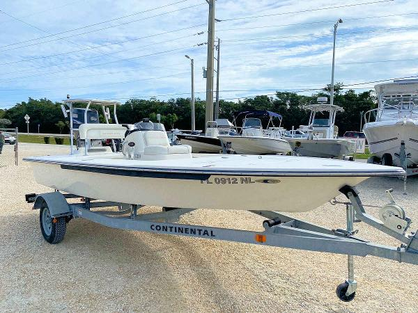 2007 Sterling 17 TR7 Flats Boat
