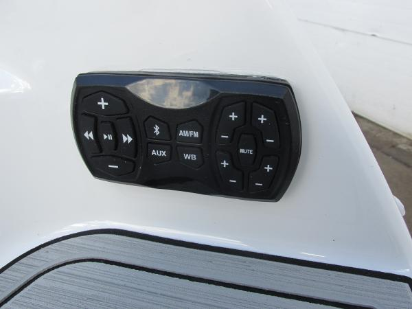 2021 Yamaha boat for sale, model of the boat is 252S & Image # 6 of 43