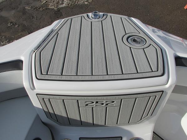 2021 Yamaha boat for sale, model of the boat is 252S & Image # 18 of 43