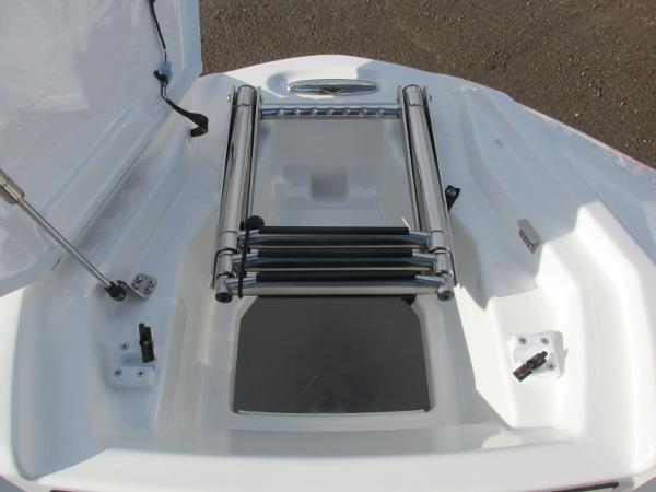 2021 Yamaha boat for sale, model of the boat is 252S & Image # 19 of 43