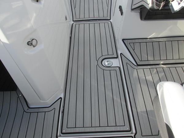 2021 Yamaha boat for sale, model of the boat is 252S & Image # 20 of 43