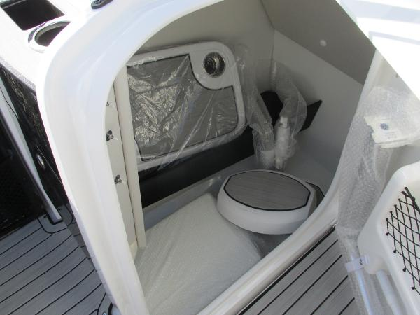 2021 Yamaha boat for sale, model of the boat is 252S & Image # 22 of 43