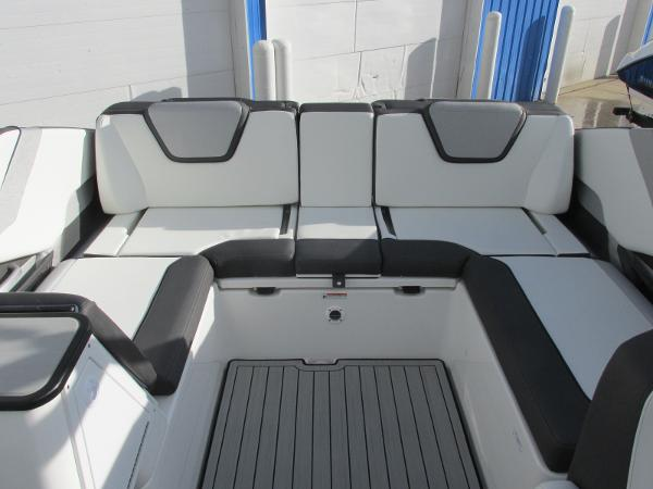 2021 Yamaha boat for sale, model of the boat is 252S & Image # 23 of 43