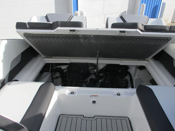 2021 Yamaha boat for sale, model of the boat is 252S & Image # 27 of 43