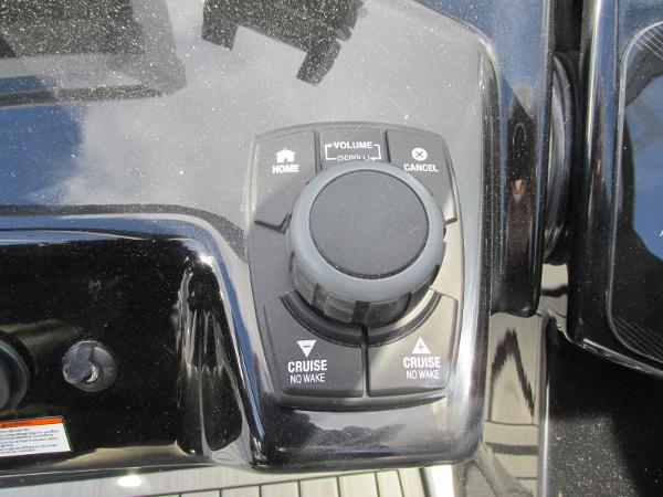 2021 Yamaha boat for sale, model of the boat is 252S & Image # 36 of 43