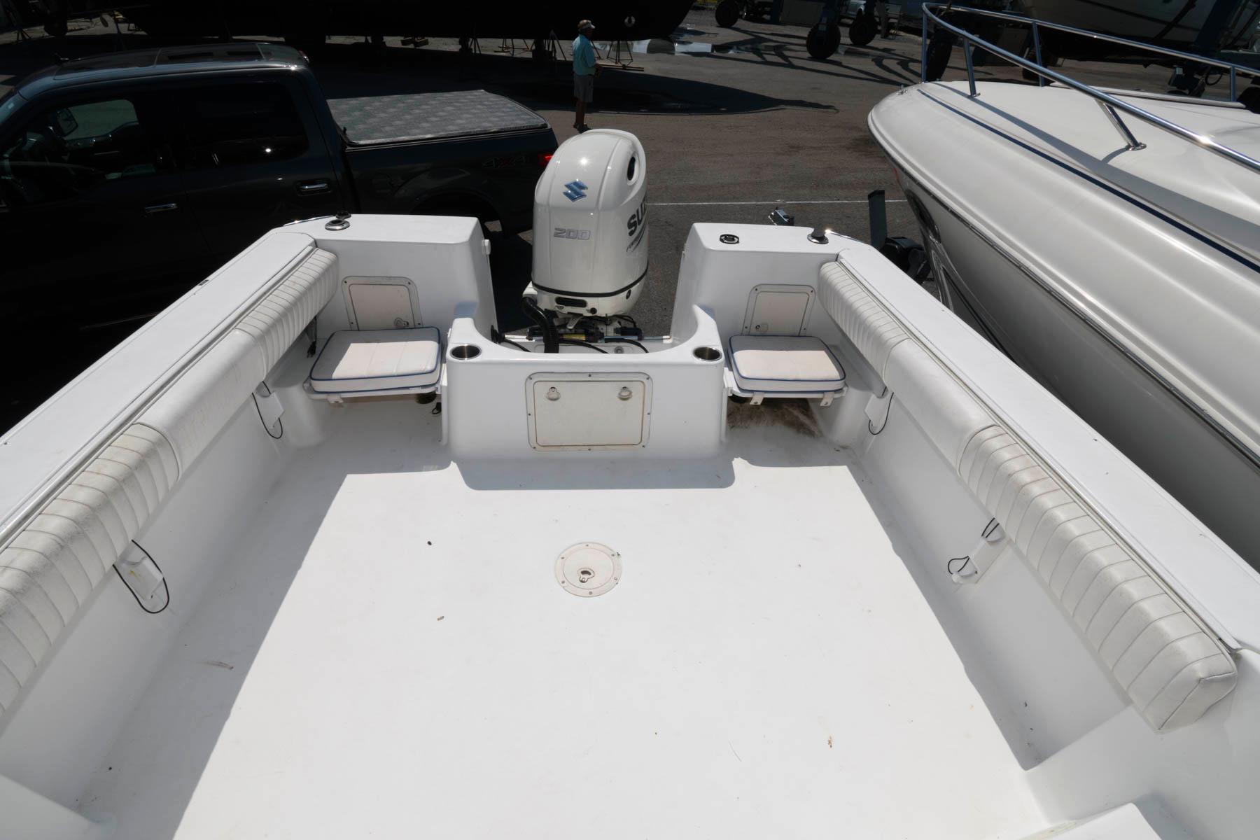 M 6448 TW Knot 10 Yacht Sales