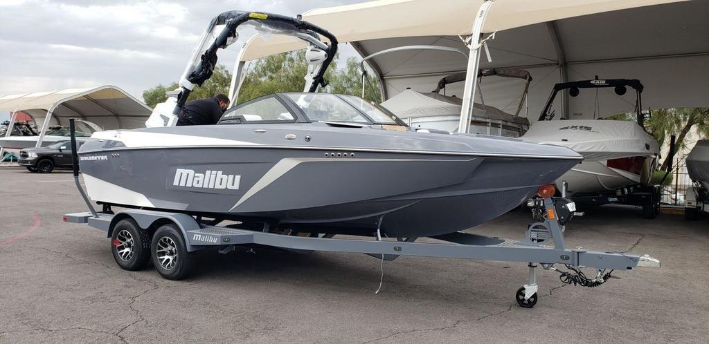 2022 Malibu 22 LSV