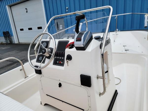 2002 Boston Whaler boat for sale, model of the boat is 170 Montauk & Image # 2 of 7