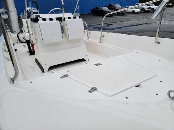 2002 Boston Whaler boat for sale, model of the boat is 170 Montauk & Image # 3 of 7