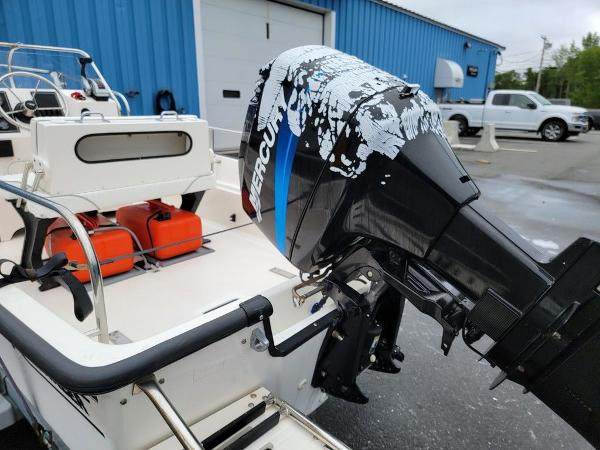 2002 Boston Whaler boat for sale, model of the boat is 170 Montauk & Image # 7 of 7