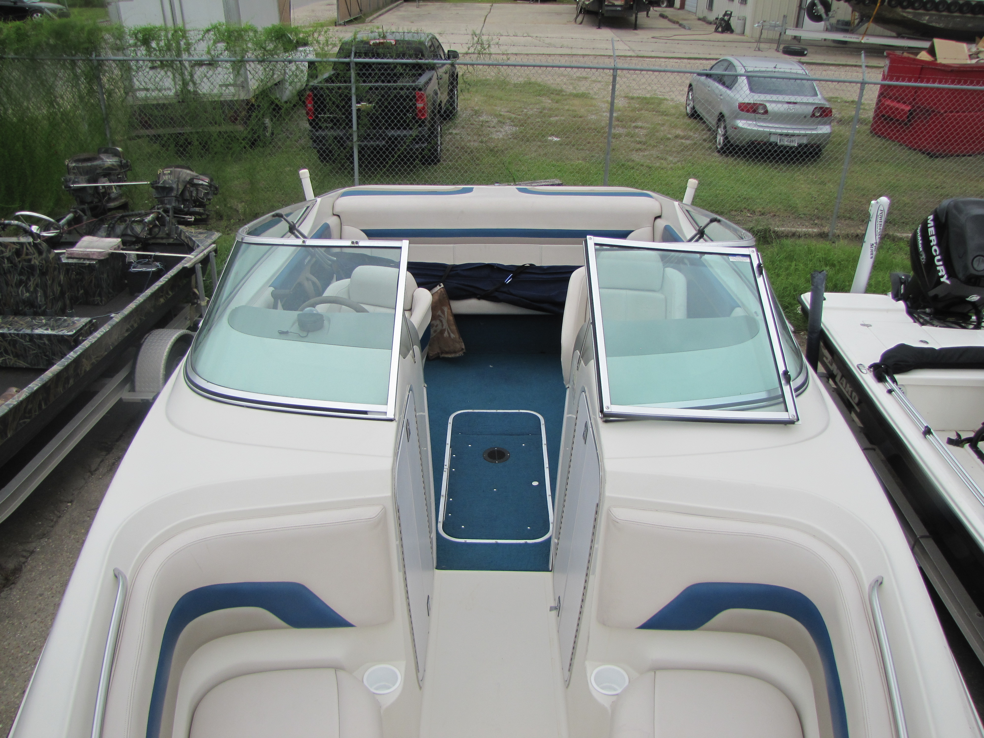 1996 Chaparral boat for sale, model of the boat is 2330 & Image # 3 of 14