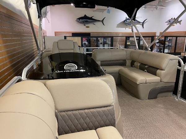 2021 Sun Tracker boat for sale, model of the boat is Party Barge 22 RF DLX & Image # 11 of 32