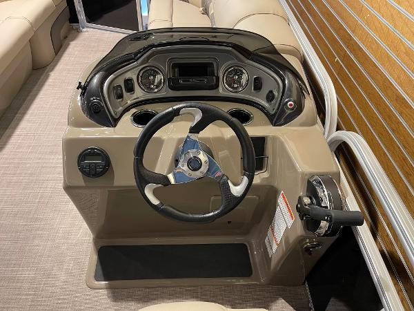 2021 Sun Tracker boat for sale, model of the boat is Party Barge 22 RF DLX & Image # 19 of 32