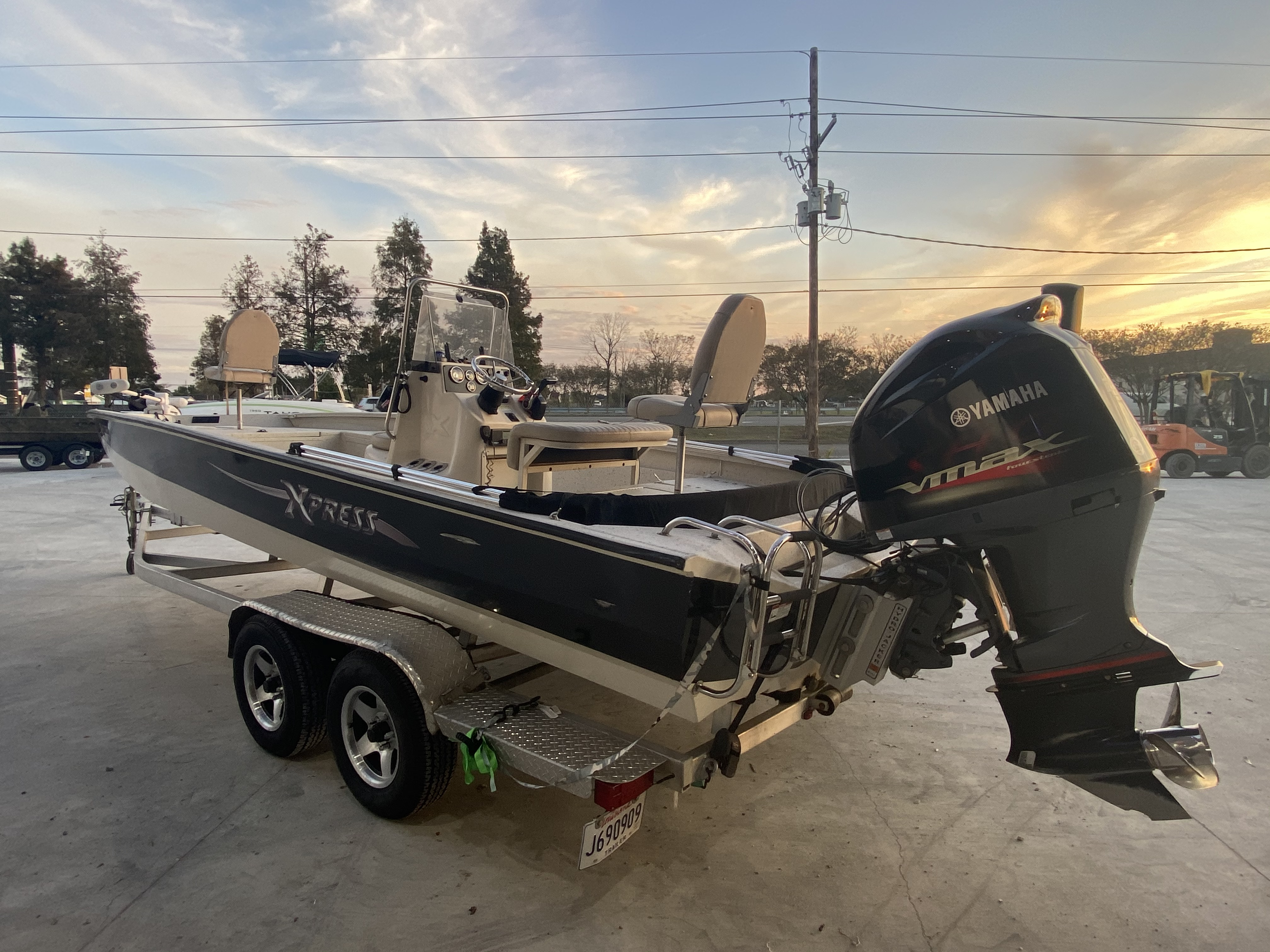 2012 Xpress boat for sale, model of the boat is H24B & Image # 4 of 17