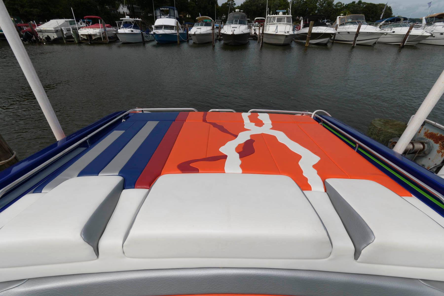 M 6521 CF Knot 10 Yacht Sales