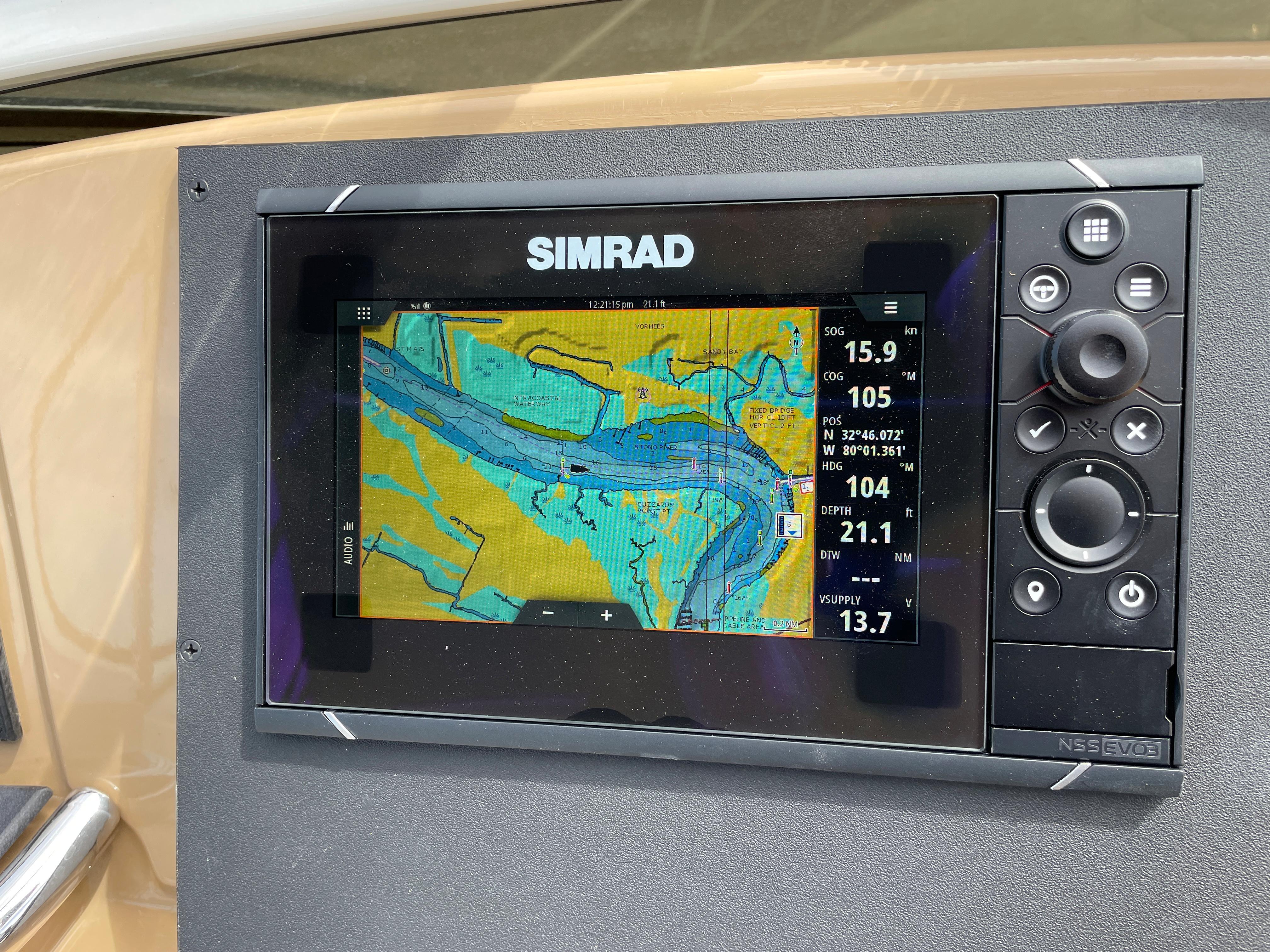 Carver 444 Cockpit Motor Yacht - Second Simrad Chartplotter/Radar/Depth