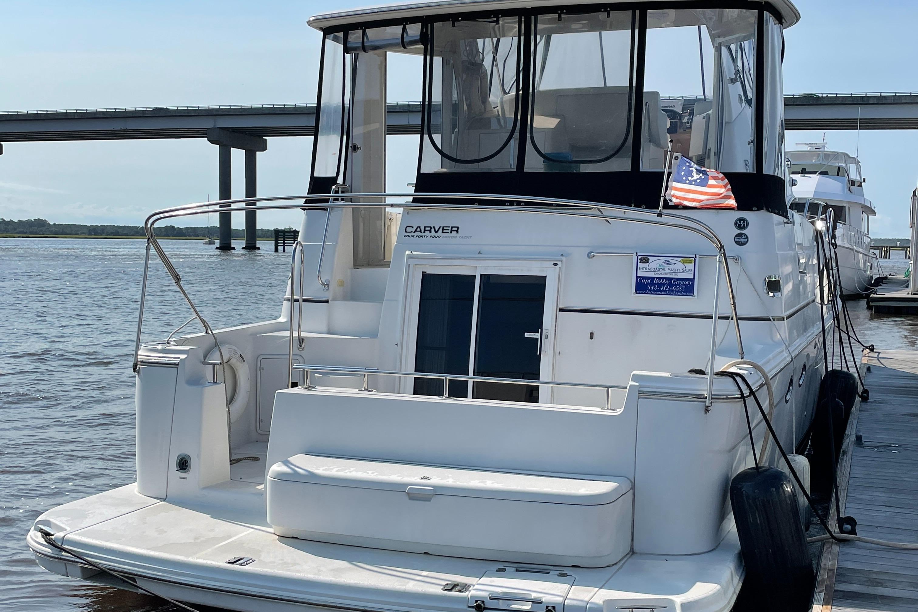Carver 444 Cockpit Motor Yacht - Aft Shot