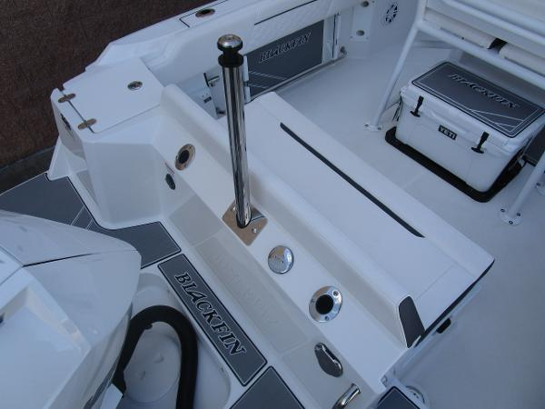 2021 Blackfin boat for sale, model of the boat is 222CC & Image # 7 of 40