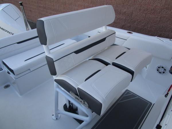 2021 Blackfin boat for sale, model of the boat is 222CC & Image # 15 of 40