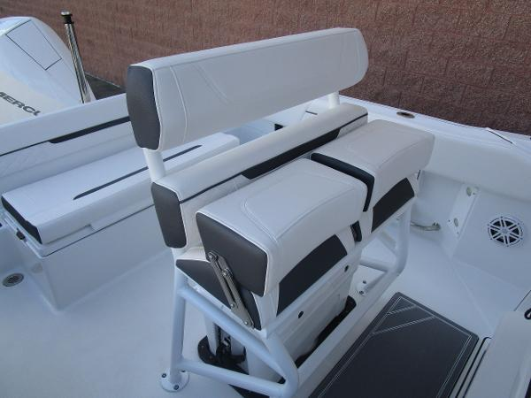 2021 Blackfin boat for sale, model of the boat is 222CC & Image # 16 of 40