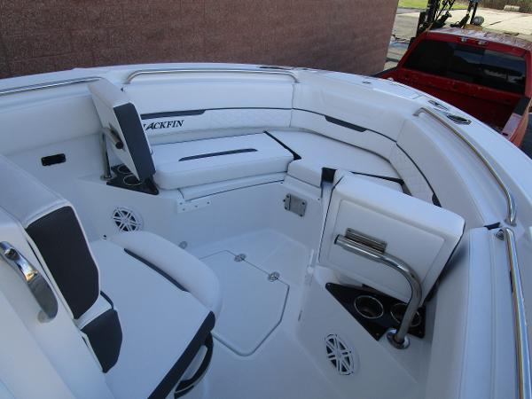 2021 Blackfin boat for sale, model of the boat is 222CC & Image # 22 of 40
