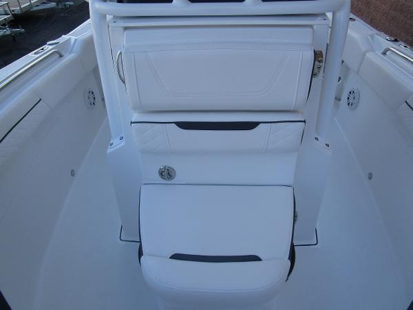 2021 Blackfin boat for sale, model of the boat is 222CC & Image # 29 of 40