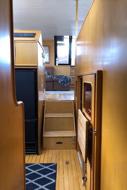 Vantare Dyna Cockpit Motor Yacht
