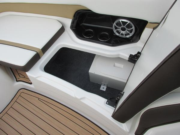 2021 Yamaha boat for sale, model of the boat is 252SD & Image # 14 of 51