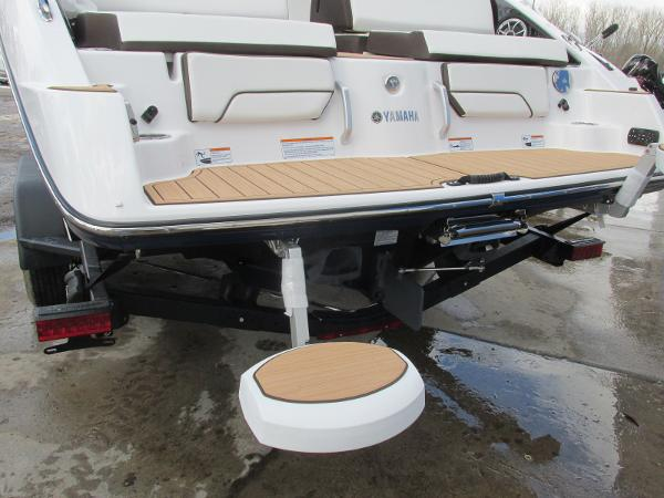 2021 Yamaha boat for sale, model of the boat is 252SD & Image # 46 of 51