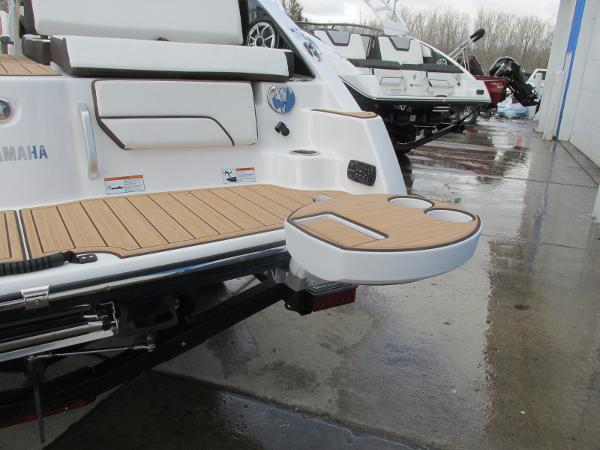 2021 Yamaha boat for sale, model of the boat is 252SD & Image # 47 of 51