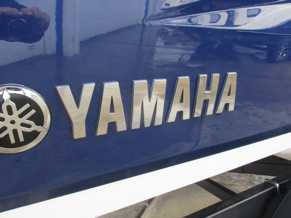 2021 Yamaha boat for sale, model of the boat is 252SD & Image # 49 of 51