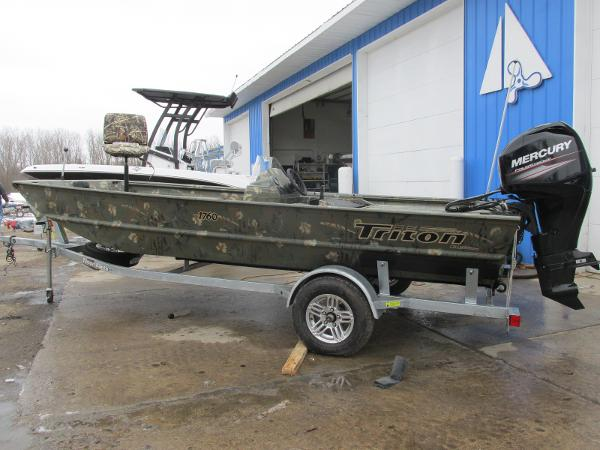 2018 Triton boat for sale, model of the boat is 1760 SC & Image # 1 of 11