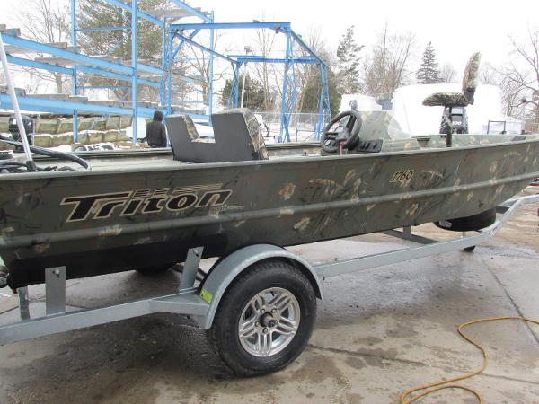 2018 Triton boat for sale, model of the boat is 1760 SC & Image # 7 of 11