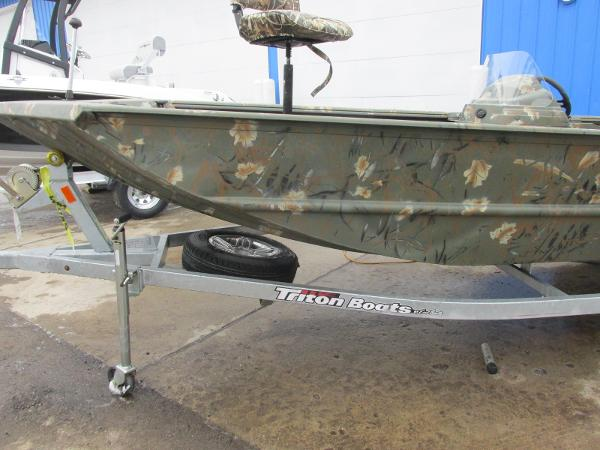2018 Triton boat for sale, model of the boat is 1760 SC & Image # 11 of 11